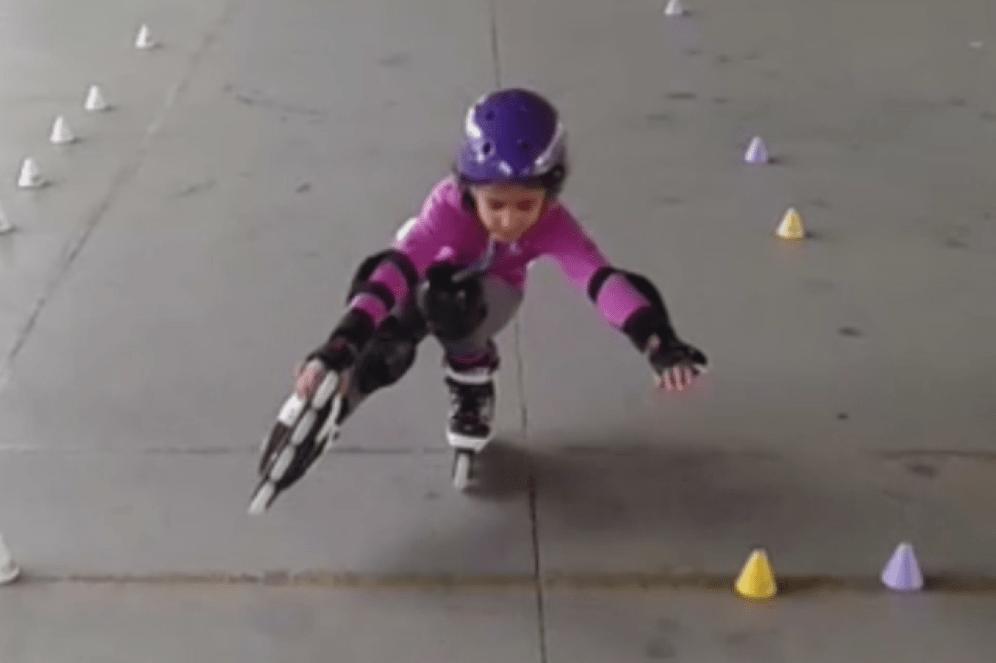 Vídeo de una pequeña alumna de freestyle slalom