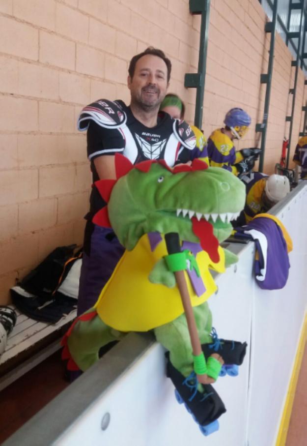 Hockey Línea: nuestra mascota nos acompaña